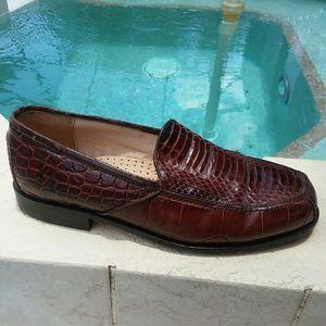 Snakeskin dress shoes Size 8